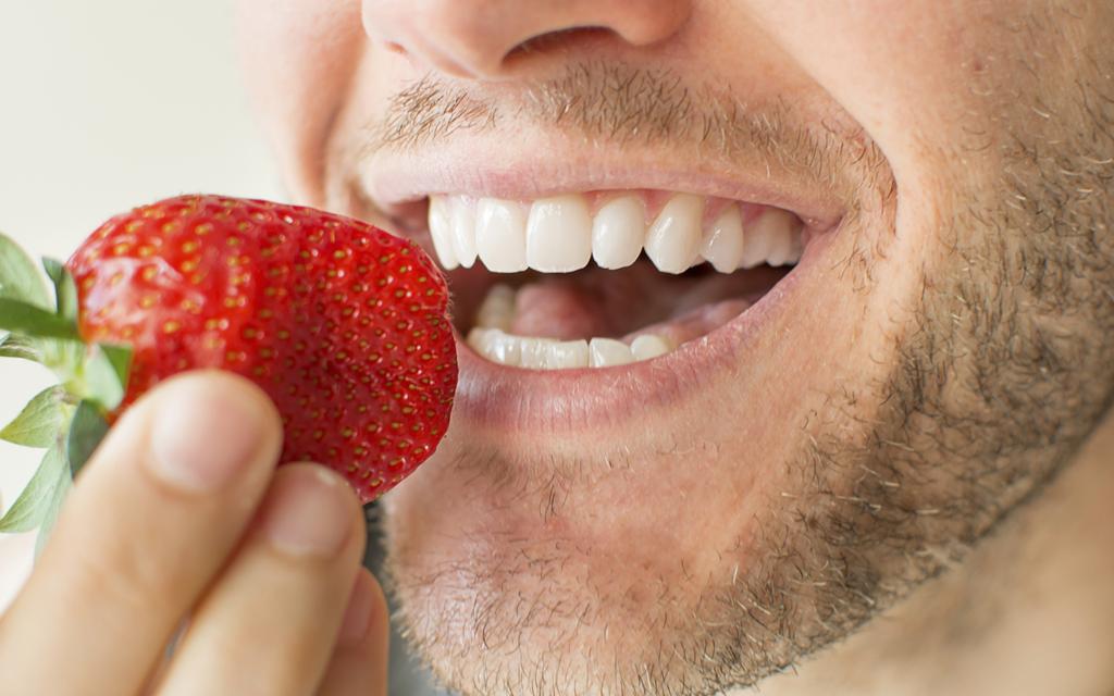 Blog Unimed VTRP Alimentos para um sorriso mais bonito
