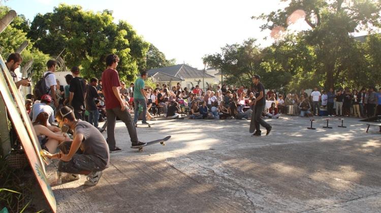 asilo-skate-street-porto-alegre-criatividade-smile-flame-surfari-vídeo-old-school-campeonato-diferente-velhos-padre-cacique-3