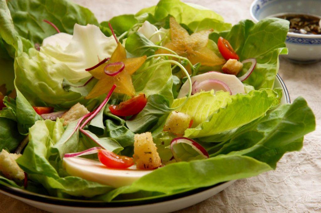 Blog_Unimed_VTRP_salada_com_carambola