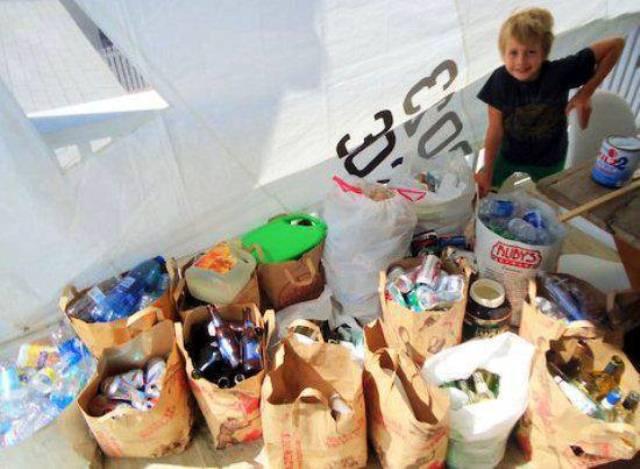 empresa-reciclagem-menino-ajudar-crianças-retrospectiva-2013-blog-unimed-vtrp