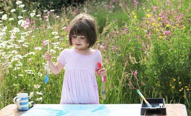 Criança pinta Blog Unimed VTRP