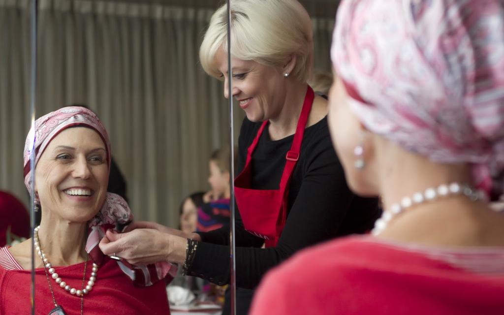 Blog Unimed VTRP Doação de lenços para mulheres com câncer