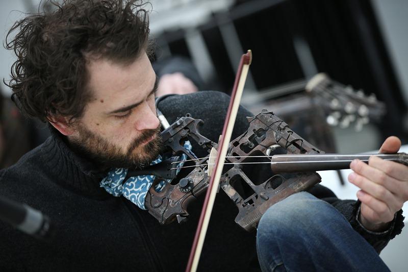Armas se transformam em instrumentos musicais Blog Unimed VTRP 5