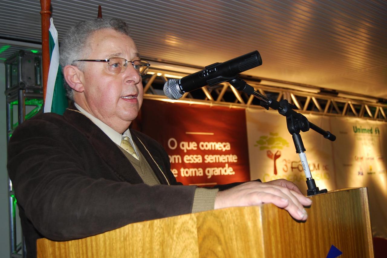 Assessor jurídico da Federação das Unimeds do RS, Marco Túlio De Rose